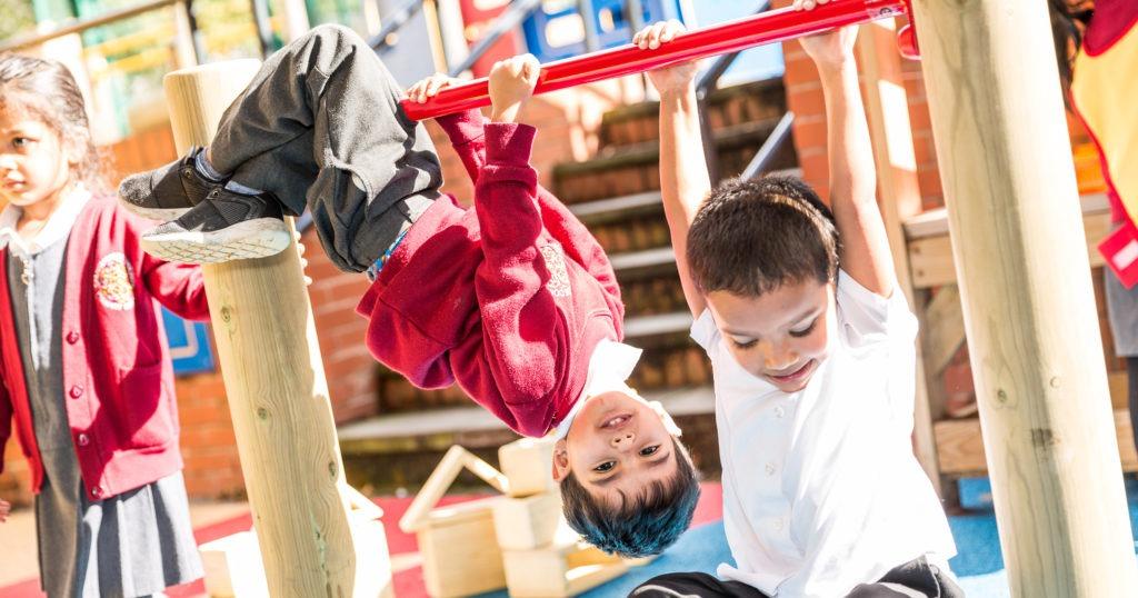 outdoor playground equipment for schools