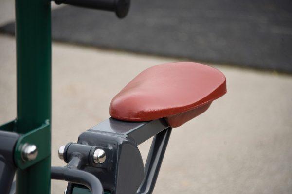 outdoor gym equipment for schools seat