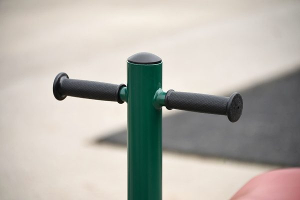 outdoor gym equipment for schools handles